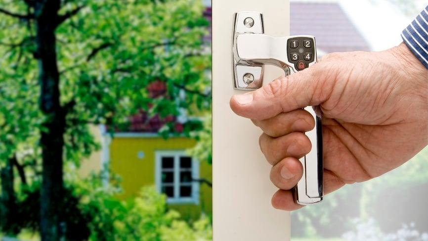 Elektronisk dørlås i den nye leiligheten