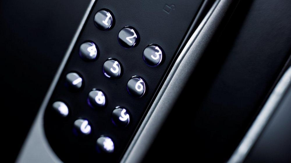 Hva skiller Yale Doorman fra andre elektroniske boliglåser?
